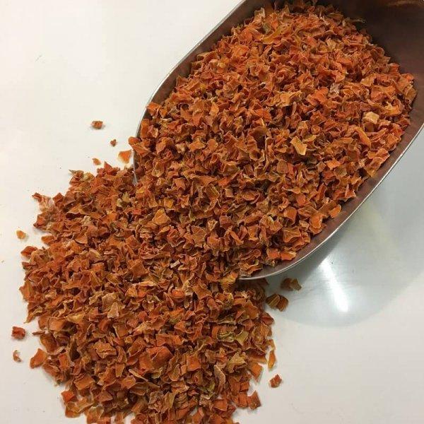 Karotten Stücke getrocknet